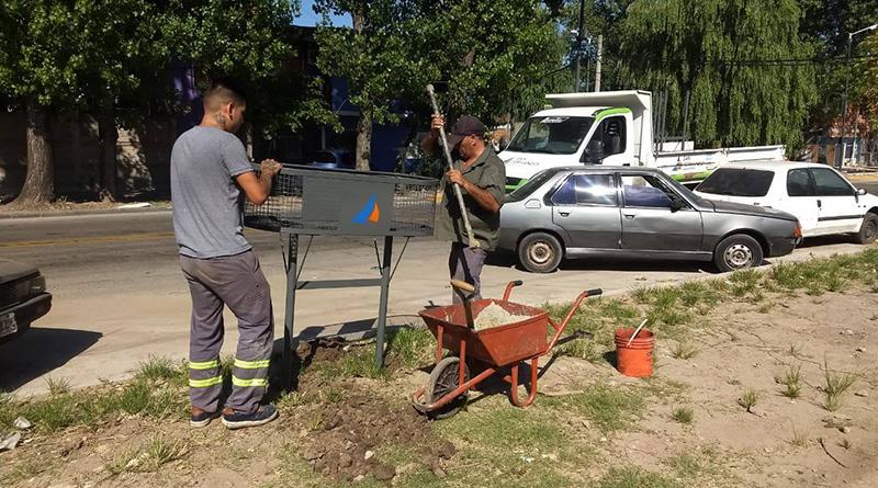 San Fernando hace tareas diarias de higiene urbana y mantenimiento del mobiliario urbano