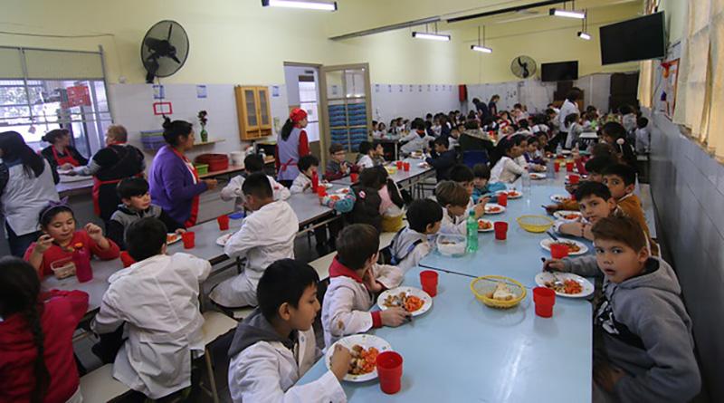 El programa de alimentación escolar de San Isidro llega a casi 100 escuelas públicas
