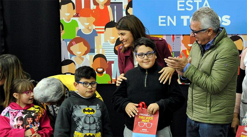 El municipio entregó anteojos a 250 alumnos de escuelas de Tigre