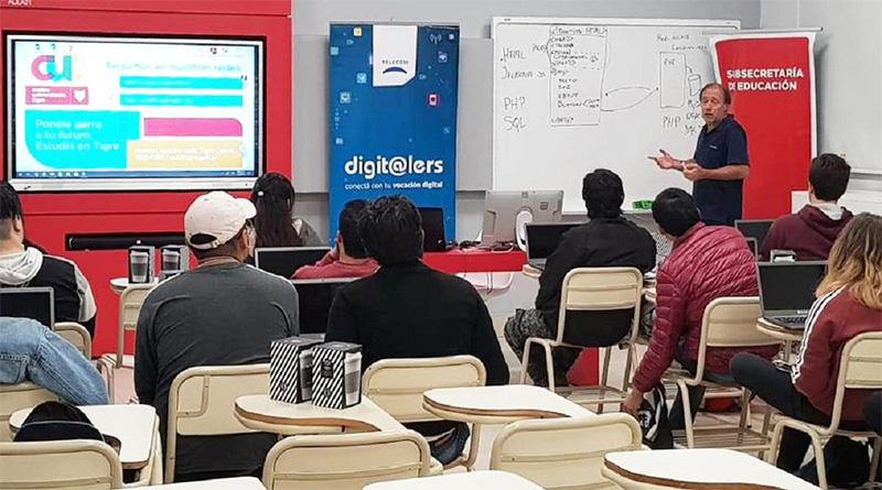 En el CUT, Tigre y Telecom capacitan a jóvenes en lenguajes de programación y nuevas tecnologías