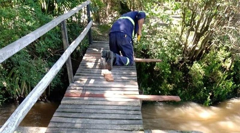 Reparación de muelles y luminarias públicas en el Delta de Tigre