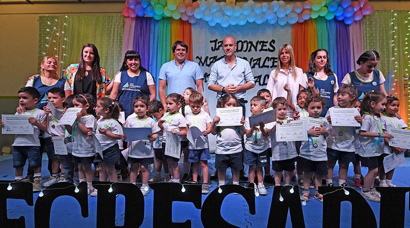 Gran fiesta de egresados de los Jardines Maternales Municipales de San Fernando