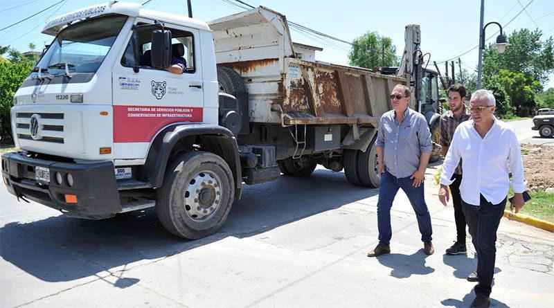 Tigre construye nuevas veredas y asfaltos en Benavídez