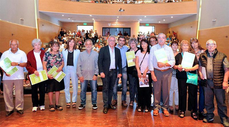 Entrega de escrituras: más de 200 vecinos de Tigre cumplieron el sueño de la casa propia