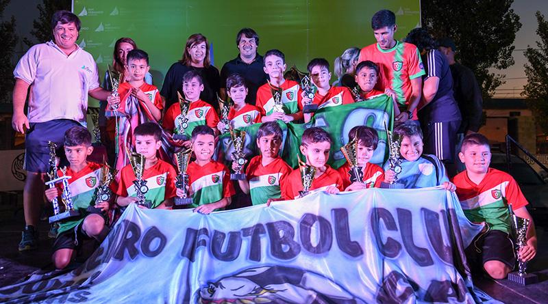 Miles de participantes de la Liga Municipal de Fútbol Infantil recibieron sus trofeos en San Fernando