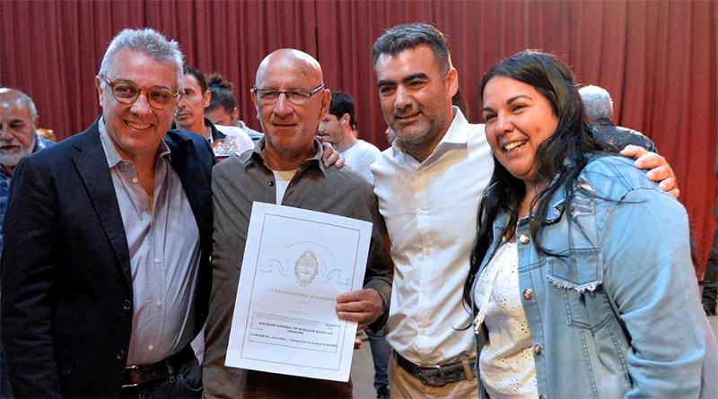 Tigre benefició a más de 150 familias con una nueva entrega de escrituras