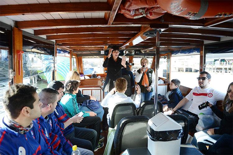 Las salidas turísticas en Tigre pueden hacerse con intérprete de Lengua de Señas Argentina