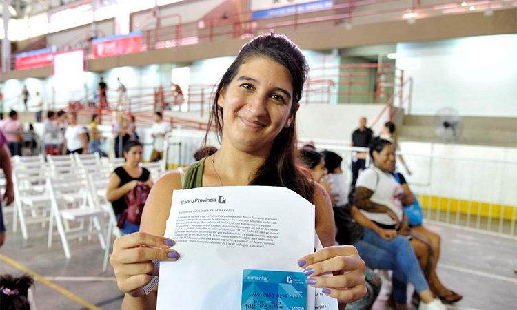 Comenzó en Tigre la entrega de tarjetas AlimentAR