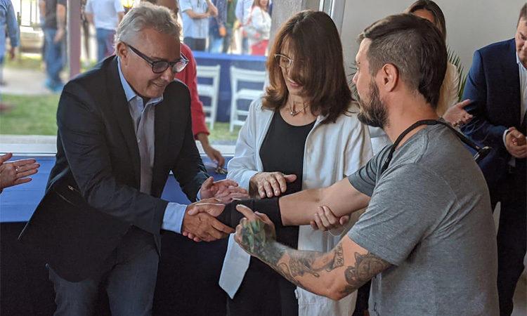 La ministra María Eugenia Bielsa y el intendente Julio Zamora entregaron nuevas viviendas del programa PROCREAR