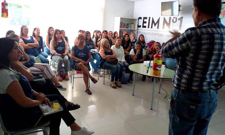 San Fernando capacita en seguridad y emergencias a las docentes de sus programas de Educación
