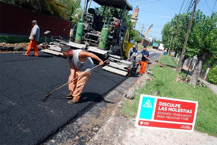 El Municipio continúa con su plan de asfalto en Don Torcuato