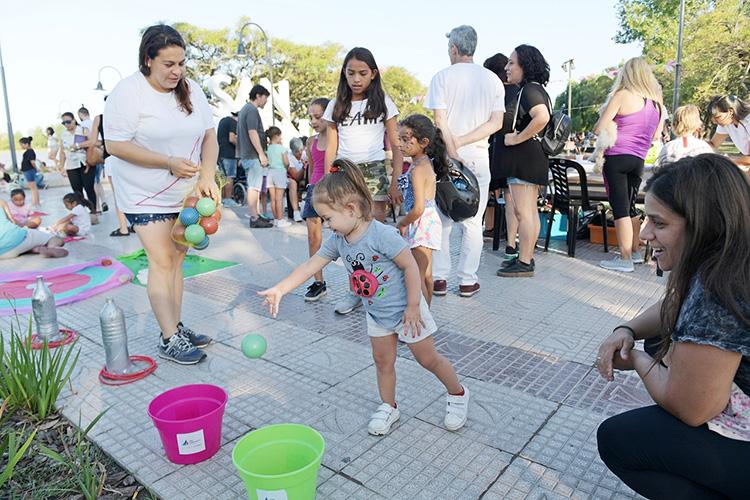 San Fernando llevó a cabo en la Costanera una mateada y diversas actividades culturales