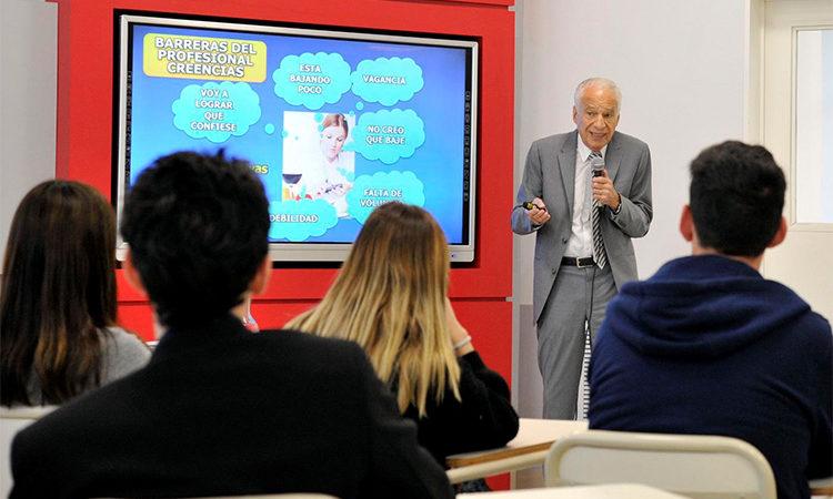 En el CUT, Alberto Cormillot abrió un nuevo año de la Licenciatura en Nutrición