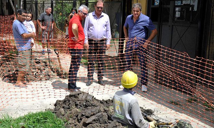 Julio Zamora supervisó el avance del tendido de red de gas en Las Tunas