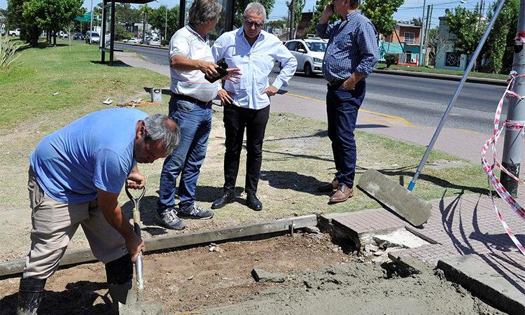Continúa la construcción de veredas en Rincón de Milberg y Troncos del Talar