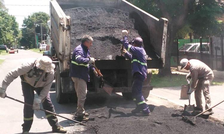 Continúan los trabajos de bacheo y reparación de calles en más arterias de Don Torcuato