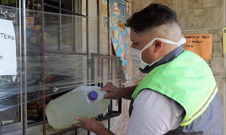 El Municipio acelera la distribución de lavandina para llegar a todos los barrios de San Fernando