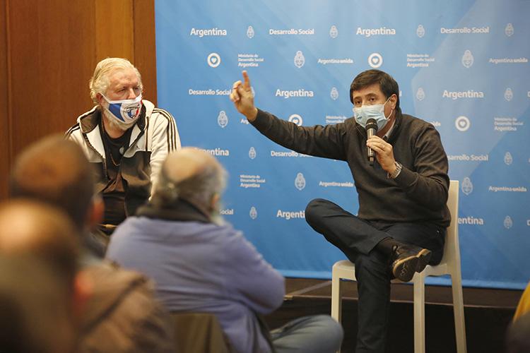 """Arroyo: """"Es un paso adelante para la conquista de derechos de los trabajadores de la economía popular"""""""