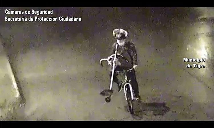 Robó y huyó en bicicleta: las cámaras del COT no lo dejaron escapar