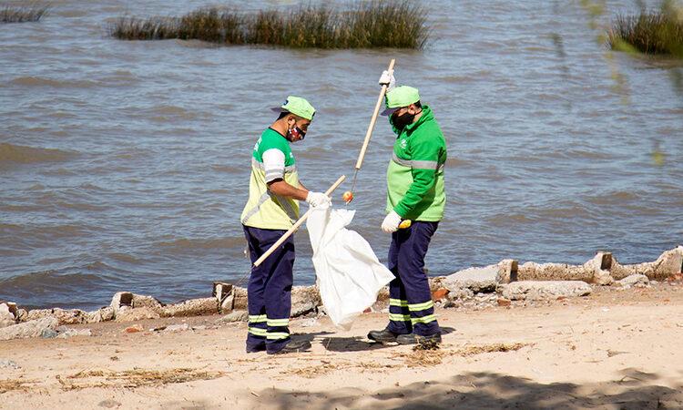 Tras el día de la primavera despliegan un amplio operativo de limpieza