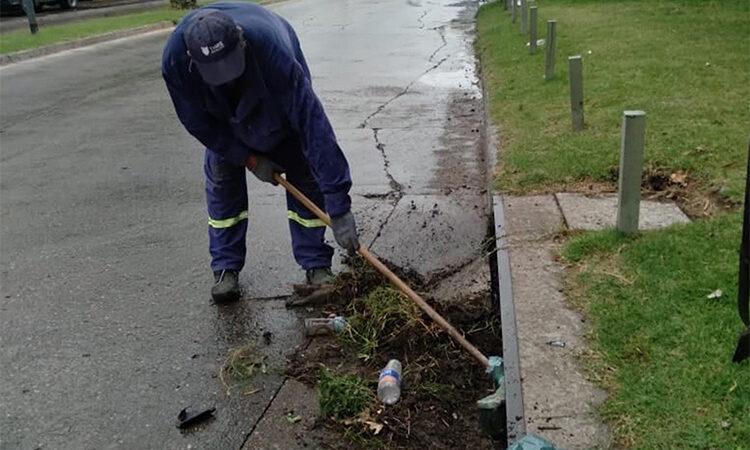 El Municipio realiza tareas de mantenimiento para evitar anegamientos