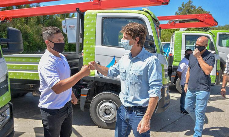 Juan Andreotti presentó 11 nuevos camiones y móviles para la flota del Municipio