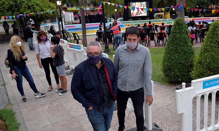 Al aire libre y con protocolos, los vecinos de Tigre disfrutaron del regreso de dos ciclos culturales