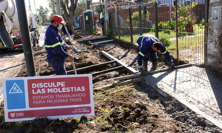 Infraestructura urbana: continúa la construcción de veredas vecinales en La Paloma