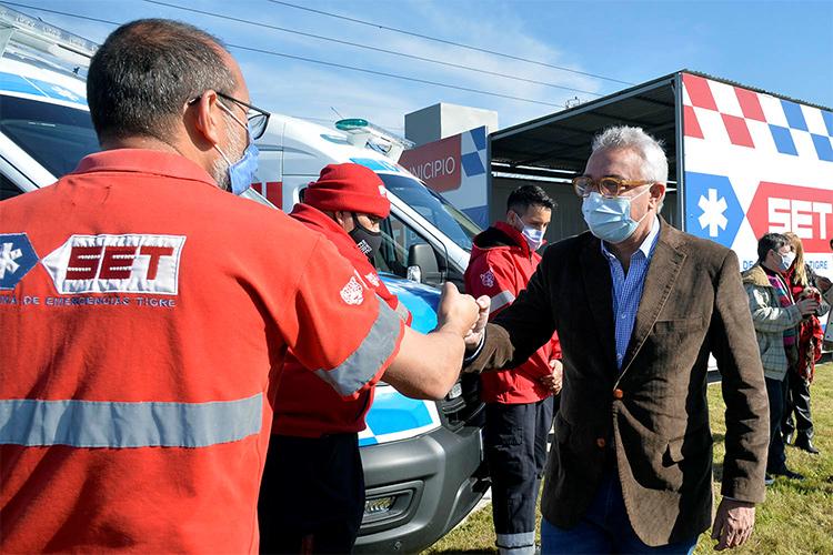 Julio Zamora presentó en Benavídez nuevos móviles y una base operativa del Sistema de Emergencias Tigre