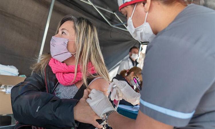 Más de 300 vecinos se acercaron a las Postas Sanitarias en Martínez