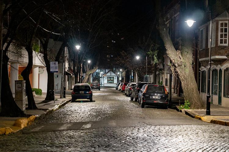 Recambio de luminarias Led en el Casco Histórico de San Isidro