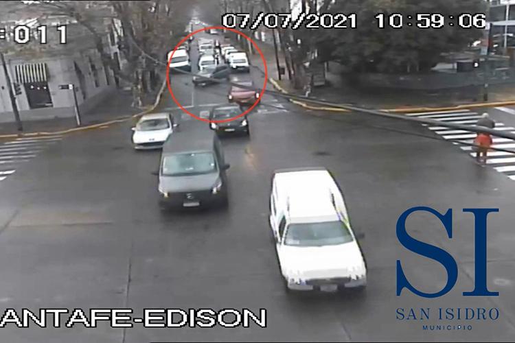 Detuvieron a una pareja que robaba autos con inhibidores de señal