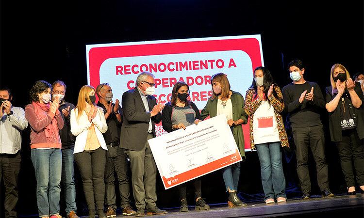 Julio y Gisela Zamora reconocieron el trabajo de 124 cooperadoras escolares de Tigre
